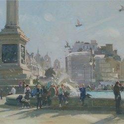 Midday-Crowds-Trafalgar-Square